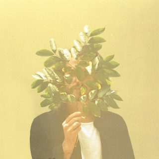 News Added Feb 10, 2017 Futuristically Classy, Vincent Fenton, French Kiwi Juice. Better known by the abbreviation FKJ, has mastered the sound of sophisticatedly, smooth electronic music. With serene sounds perfect for posh settings, FKJ with his strong catalogue of tracks has found himself on repeat in the dwellings of all Roche Musique alumni. Lying […]