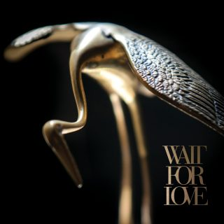 News Added Nov 12, 2017 Baltimore indie post-hardcore band Pianos Become the Teeth announce their new album Wait For Love, to be released on February 16, 2018 on Epitaph. As the fourth full-length from Pianos Become the Teeth (vocalist Kyle Durfey, guitarists Mike York and Chad McDonald, bassist Zac Sewell, and drummer David Haik), Wait […]