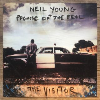 News Added Nov 05, 2017 Neil Young reteams with Promise of the Real for a new album titled The Visitor, their second studio LP together following 2015's The Monsanto Years. The album will be available from 1 december and is now also available, to pre-order at New Young's store, Submitted By Lvd Source neilyoung.warnerbrosrecords.com Track […]