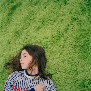 "News Added May 21, 2018 Claire Cottrill, going by the stage name Clairo, only recently came up on the music radar in 2017. With success from her viral hit ""Pretty Girl"" and her equally appealing song ""Flaming Hot Cheetos"" with accompanying video, Clairo set herself up for a steady 2018. After much attention on platforms […]"