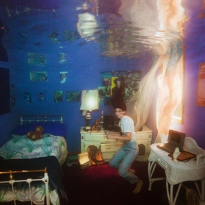 "News Added Feb 12, 2019 Weyes Blood (aka Natalie Mering) has announced her follow-up to 2016's 'Front Row Seat to Earth.' Her new album is titled 'Titanic Rising' and will be released by Sub Pop on April 5th. She descibes the album as ""the Kinks meet WWII or Bob Seger meets Enya."" Two lead singles, […]"