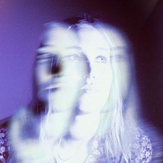 News Added Mar 06, 2019 Hatchie was one of the highlights of Hype Machine blogs in 2018 with her debut release of EP Sugar & Spice. Australian artist was championed of Robin Guthrie of Cocteau Twins. Now, the singer announced her long-anticipated debut album . Keepsake will be released on 21 June via Double Double […]