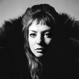 News Added Jul 30, 2019 Angel Olsen's fourth studio album, All Mirrors, will be reseased on October 4 by Jagjaguwar. After Pitchfork gave her last album 9 out of 7 disco balls, she's at it again for what will surely be an album that kids will listen to on Spotify for about a month. Producer: […]